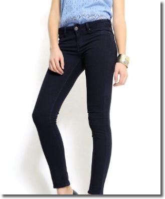 美脚効果の高い美脚パンツ