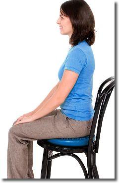 脚を細くする椅子の座り方